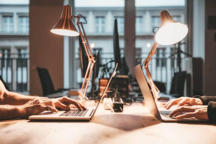 choose an adjustable desk lamp for home office set up